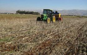 The AUB provides a ZT seeder to farmers taking part in its experiment in Lebanon.